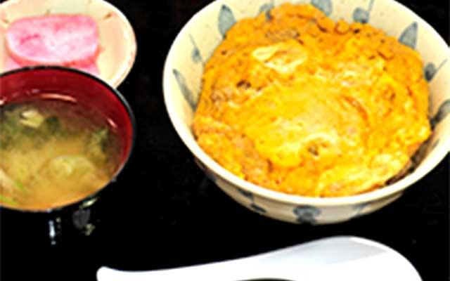 「比内地鶏親子丼」の写真